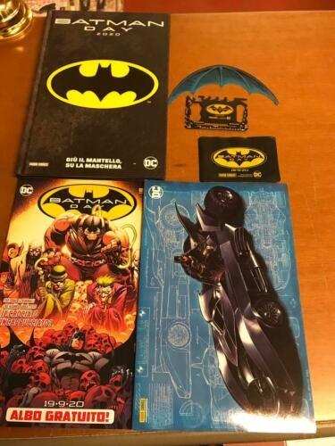 BATMAN DAY 2020 COMPLETO : GIÙ IL MANTELLO, SU LA MASCHERA+ Free Comic + 8 Variant + batarang + survivor
